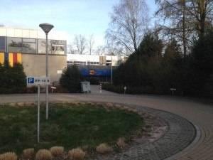 004_Doorkijk_vanaf_parkeerplaats